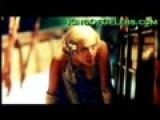 Scarlett Johansson Downblouse