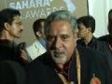 SAHARA IPL AWARDS 2010 Sameera Reddy Yuvraj Singh Shamita Shetty Shilpa Shetty Harbhajan Singh Dr. Prakash Chopra Sherlyn Chopra Shaina N.C Vijay Mallya Amrita Rao Arjun Rampal