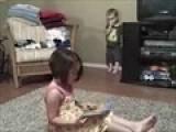 Em & Park&#39 S Play - Girl Reading Book