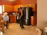 Dhood Breakdancing