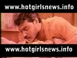 Mallu Hot Heroine Sindhu Resisting Not To Open Bra