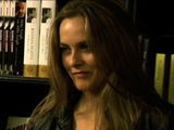 Alicia Silverstone Gets Frustrated With The