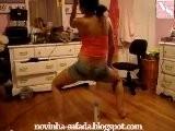 Ninfeta Dançando Na Boquinha Da Garrafa