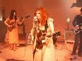 KAREN ELSON & BAND : THE GHOST WHO WALKS