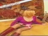 Stefania Orlando - Upskirt Senza Mutande In TV