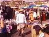 M P Travesti Au Marché