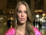 Victoria's Secret Fashion Show 2009 - Krystina