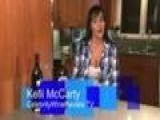 Kelli McCarty Reviews 2 Cabs And Talks About Her Day On Set