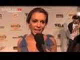 Jo Garcia Talks To Alyssa Milano On VGA Red Carpet